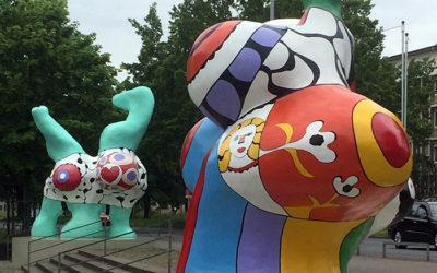 Nanas und Niki de Saint Phalle