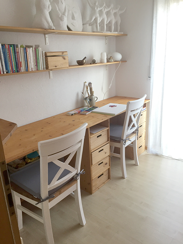 PraxisAtelier Stühle und Tisch